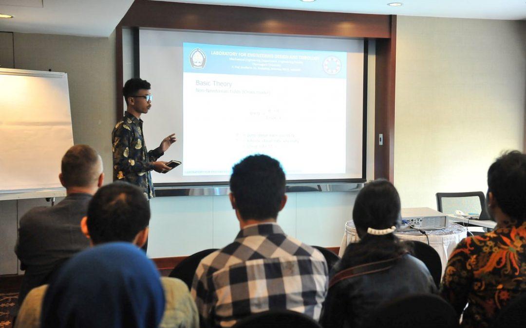 Mahasiswa Tribology UNDIP mendapat penghargaan Young Tribologist ASIATRIB2018 di Kuching, Sarawak Malaysia